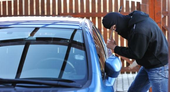 Un policier derrière le vol de voitures à Tigzirt