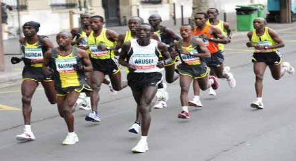 Des milliers d'Africains participent au semi-marathon de Bgayet