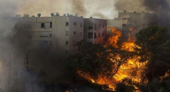 Des incendies en Israël font le plaisir des Algériens