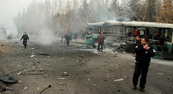 13 soldats tués et 48 blessés dans un attentat à la bombe en Turquie