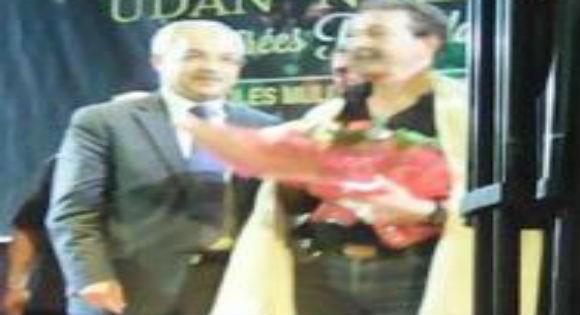 Lors de son gala à Tizi Ouzou : Ait Menguellet honoré par le wali
