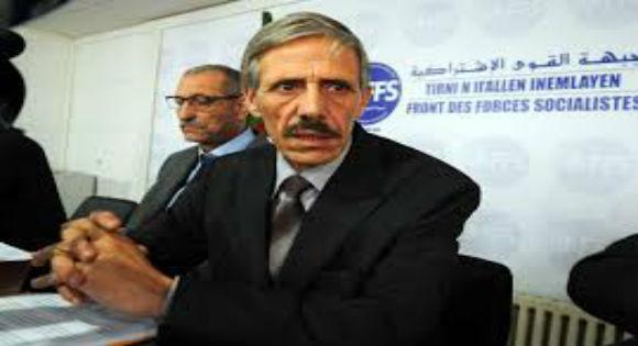 Le FFS et le RCD gardent le silence sur la généralisation de la langue arabe