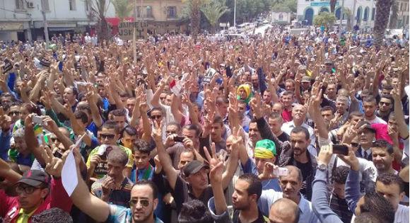 Tizi Ouzou: Des milliers de kabyles ont marché contre Hannachi