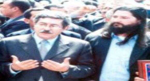 Ouyahia aurait eu l'avis des anciens délégués des arouchs sur le statut de la  Kabylie