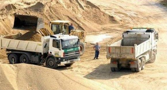Les pilleurs de sable agissent toujours à Tizi Wezzu
